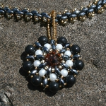 Kreationen aus Duo und Twin Beads